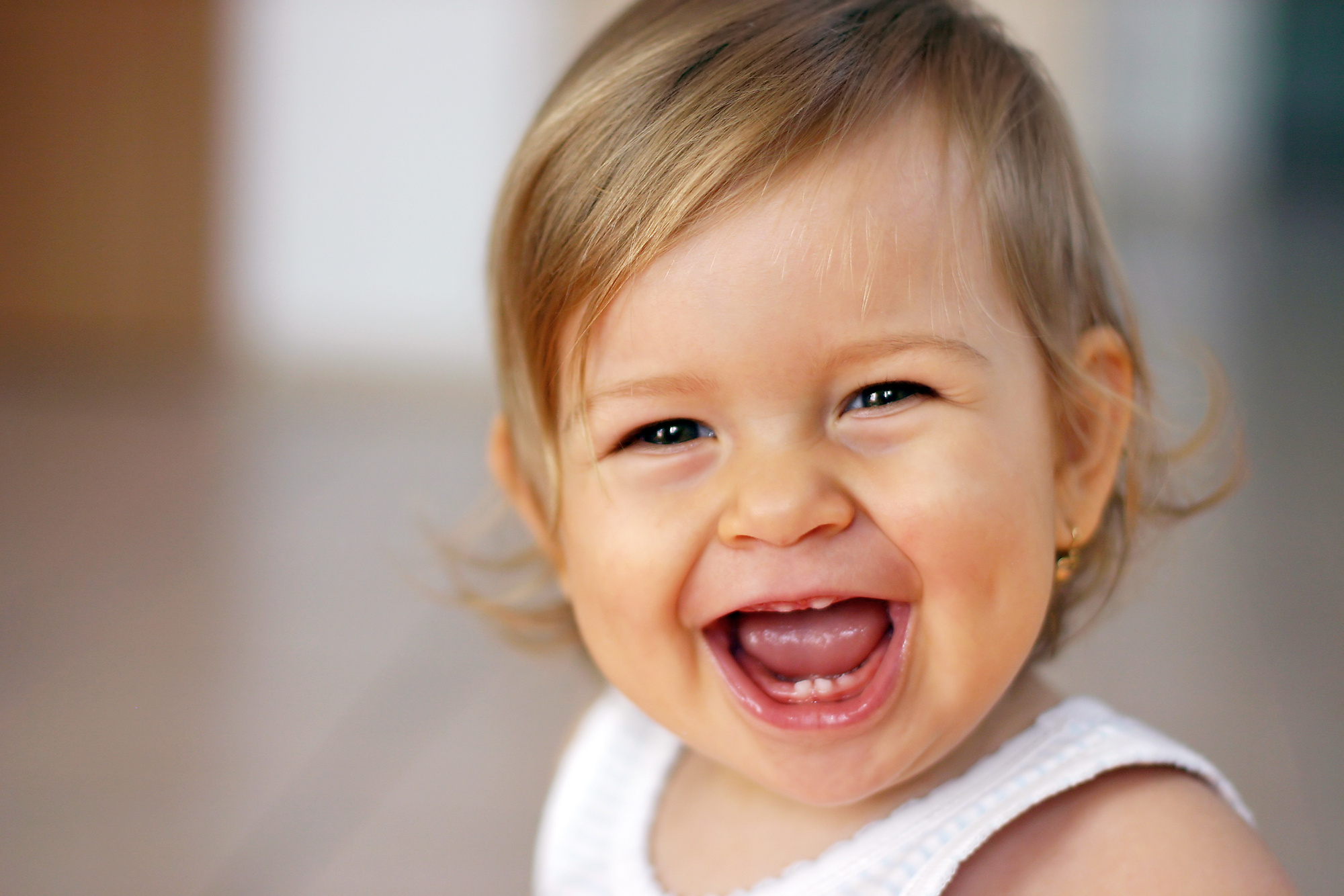 Resultado de imagen para Imagenes de bebes con dientes de leche o temporales